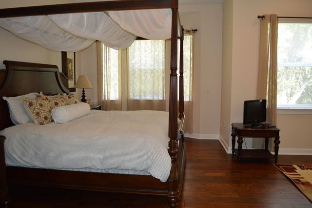 Master Bedroom Suite - Villa for rent at 5509 46th Ct W, Bradenton, FL 34210 - MLS Number is 550946TH603