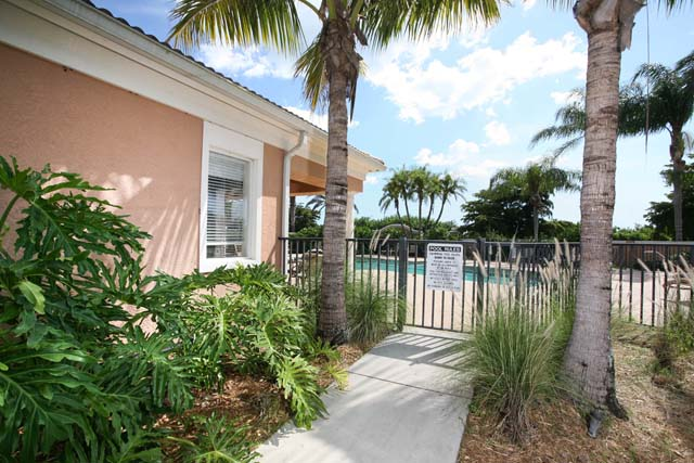 Community Pool - Villa for rent at 5519 46th Court West, #604, Bradenton, FL 34210 - MLS Number is 551946TH604