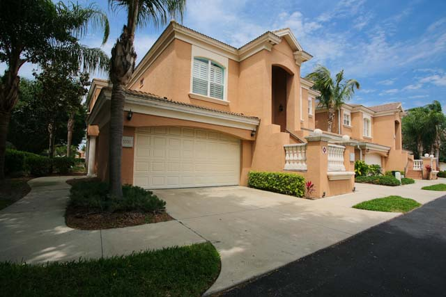 Exterior Garage - Villa for rent at 5530 46th Court West, #901, Bradenton, FL 34210 - MLS Number is 553046TH901
