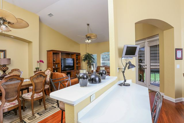 Kitchen and Dining Area - Villa for rent at 5567 46th Court West, Bradenton, FL 34210 - MLS Number is 556746TH