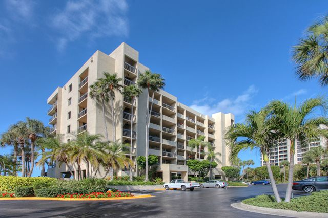 Condominium for Rent at 1145 Gulf of Mexico Dr, Unit #305, Longboat Key, FL 34228 Longboat Key, Florida,34228 United States