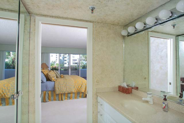 Additional photo for property listing at 1425 Gulf of Mexico Dr, Unit #D104, Longboat Key, FL 34228 1425 Gulf of Mexico Dr, Unit #D104 Longboat Key, Florida,34228 Estados Unidos
