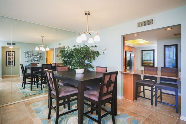 Additional photo for property listing at 2045 Gulf of Mexico Dr, Unit #615, Longboat Key, FL 34228 2045 Gulf of Mexico Dr, Unit #615 Longboat Key, Florida,34228 États-Unis