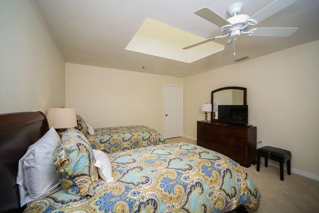 Additional photo for property listing at 2345 Harbour Oaks Dr, Longboat Key, FL 34228 2345 Harbour Oaks Dr Longboat Key, Florida,34228 United States