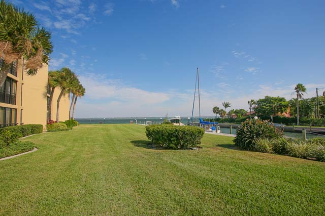 Additional photo for property listing at 450 Gulf of Mexico Dr, Unit #B101, Longboat Key, FL 34228 450 Gulf of Mexico Dr, Unit #B101 Longboat Key, Florida,34228 United States