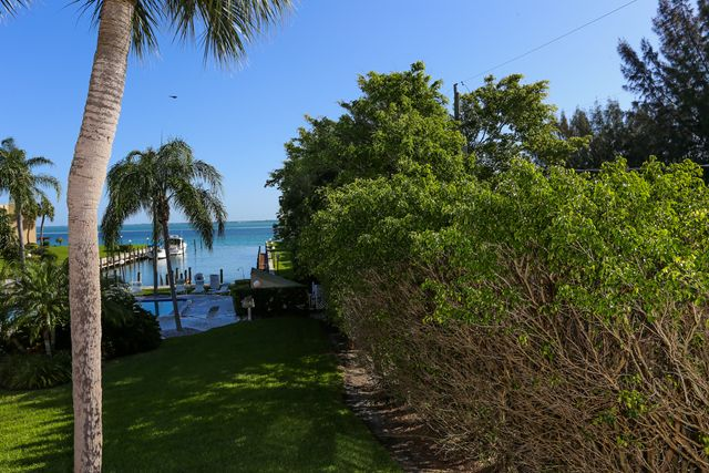 Additional photo for property listing at 450 Gulf of Mexico Dr, Unit #B207, Longboat Key, FL 34228 450 Gulf of Mexico Dr, Unit #B207 长船礁, 佛罗里达州,34228 美国
