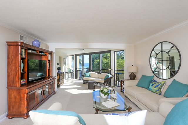 Additional photo for property listing at 450 Gulf of Mexico Dr, Unit #B207, Longboat Key, FL 34228 450 Gulf of Mexico Dr, Unit #B207 Longboat Key, Флорида,34228 Соединенные Штаты