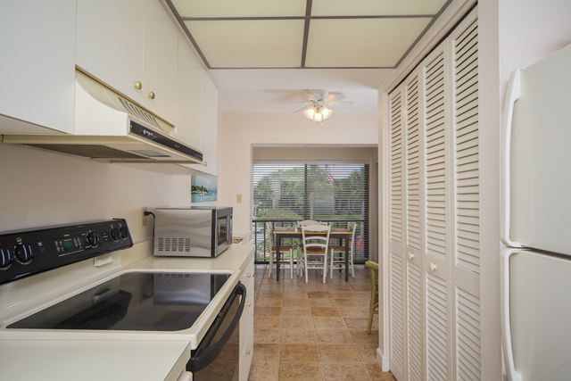 Additional photo for property listing at 5393 Gulf of Mexico Dr, Unit #208, Longboat Key, FL 34228 5393 Gulf of Mexico Dr, Unit #208 Longboat Key, 佛羅里達州,34228 美國