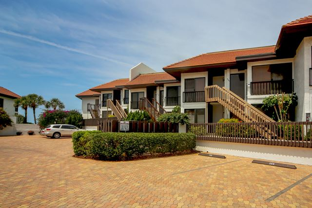 Condominium for Rent at 5393 Gulf of Mexico Dr, Unit #208, Longboat Key, FL 34228 Longboat Key, Florida,34228 United States