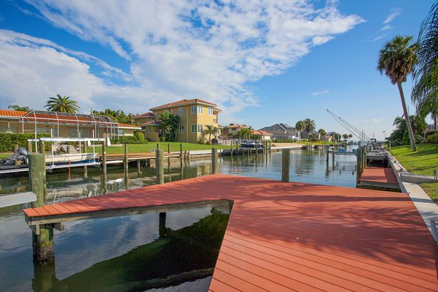 Additional photo for property listing at 541 Golf Links Ln, Longboat Key, FL 34228 541 Golf Links Ln Longboat Key, Florida,34228 United States