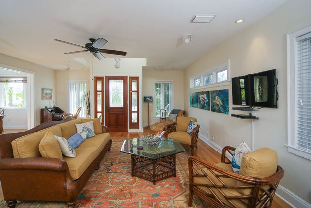 Additional photo for property listing at 6940 Longboat Dr S, Longboat Key, FL 34228 6940 Longboat Dr S Longboat Key, Florida,34228 United States