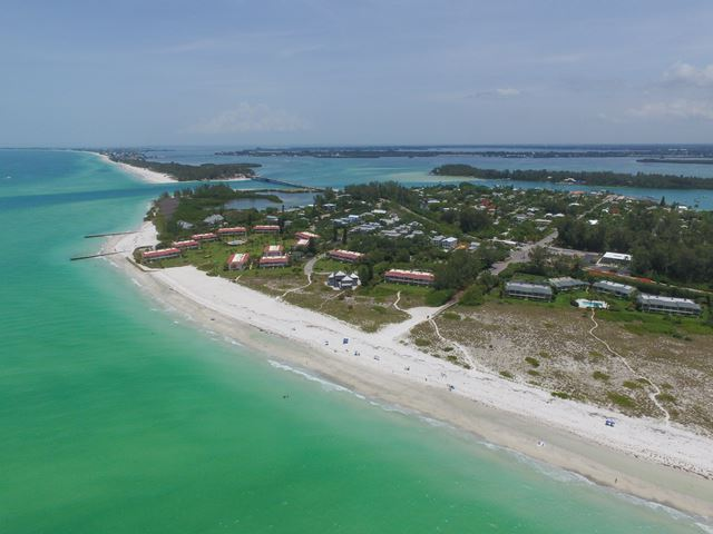 Additional photo for property listing at 6960 Longboat Dr S, Longboat Key, FL 34228 6960 Longboat Dr S Longboat Key, Florida,34228 United States