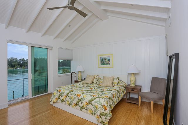 Additional photo for property listing at 7130 Longboat Dr E, Longboat Key, FL 34228 7130 Longboat Dr E Longboat Key, Florida,34228 Verenigde Staten