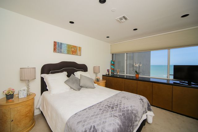 Additional photo for property listing at 775 Longboat Club Dr, Unit #PH2, Longboat Key, FL 34228  Longboat Key, Florida,34228 United States