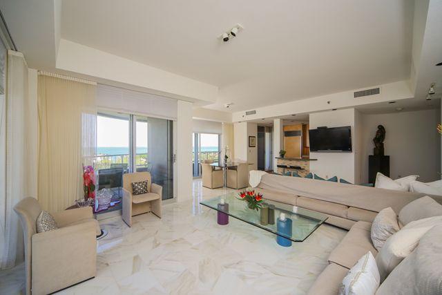 Additional photo for property listing at 775 Longboat Club Dr, Unit #PH 2, Longboat Key, FL 34228 775 Longboat Club Dr, Unit #PH 2 Longboat Key, Florida,34228 United States