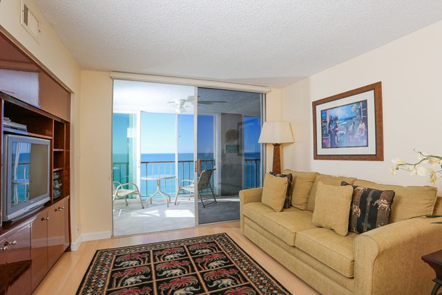 Additional photo for property listing at 4401 Gulf of Mexico Dr, Unit #901, Longboat Key, FL 34228 4401 Gulf of Mexico Dr, Unit #901 Longboat Key, Florida,34228 United States