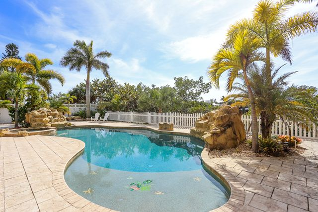 Additional photo for property listing at 241 Kettle Harbor Dr, Placida, FL 33946 241 Kettle Harbor Dr Placida, 佛羅里達州,33946 美國
