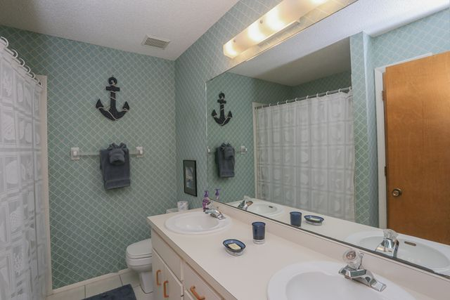 Additional photo for property listing at 301 S Gulf Blvd, Unit #422, Placida, FL 33946 301 S Gulf Blvd, Unit #422 Placida, Florida,33946 Estados Unidos