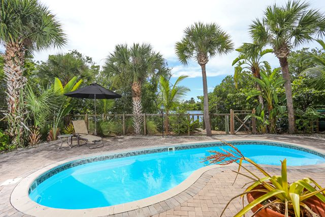 Additional photo for property listing at 431 Kettle Harbor Dr, Placida, FL 33946 431 Kettle Harbor Dr Placida, Florida,33946 États-Unis