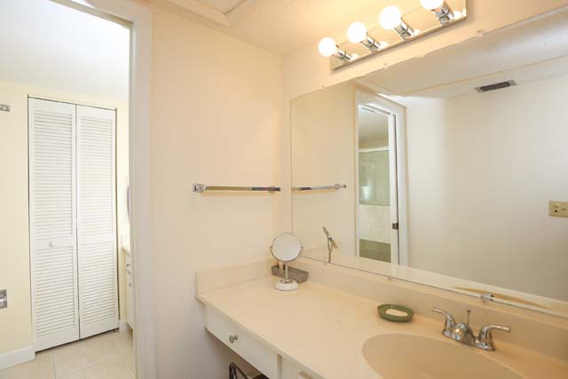 Additional photo for property listing at 320 Wexford Ter, Unit #169, Venice, FL 34293 320 Wexford Ter, Unit #169 Venice, Florida,34293 United States
