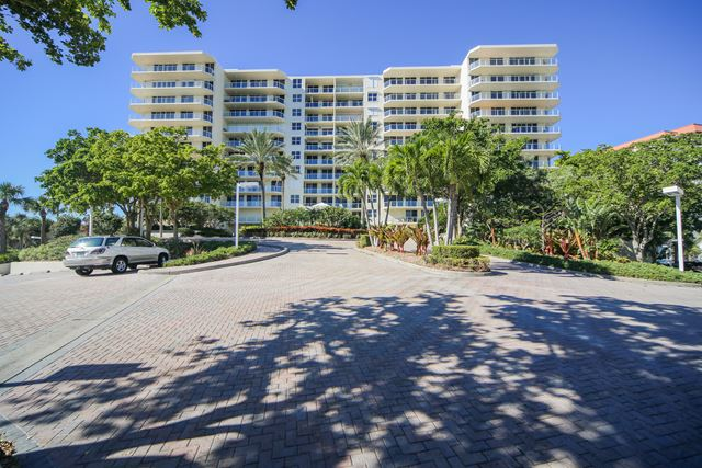 Front Exterior - Condo for rent at 1800 Benjamin Franklin Dr, #A904, Sarasota, FL 34236 - MLS Number is 1800BENFA904