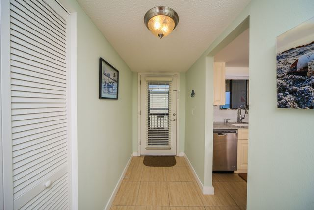 Foyer - Condo for rent at 350 S Polk Dr, Unit #504, Sarasota, FL 34236 - MLS Number is 350SPOL504