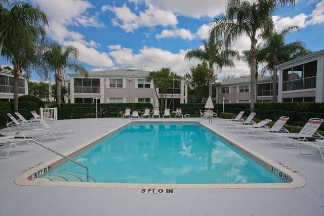 Additional photo for property listing at 5694 Sheffield Greene Cir, Unit #84, Sarasota, FL 34235 5694 Sheffield Greene Cir, Unit #84 Sarasota, Florida,34235 Stati Uniti
