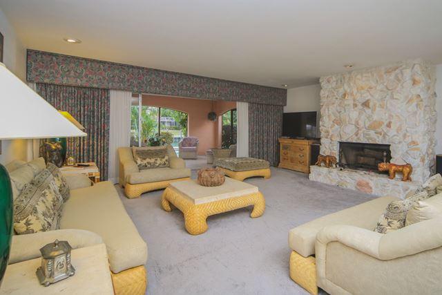 Additional photo for property listing at 638 S Owl Dr, Sarasota, FL 34236 638 S Owl Dr Sarasota, Florida,34236 United States