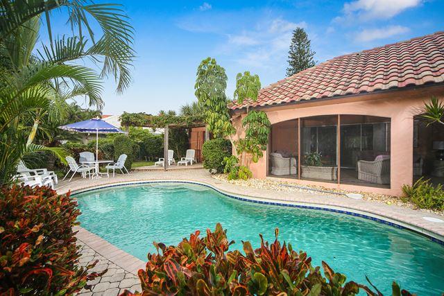 Single Family Home for Rent at 638 S Owl Dr, Sarasota, FL 34236 638 S Owl Dr Sarasota, Florida,34236 United States