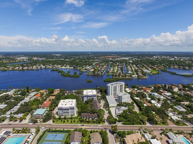 Condominium for Rent at 1255 E Peppertree Dr, Unit #105, Sarasota, FL 34242 1255 E Peppertree Dr, Unit #105 Sarasota, Florida,34242 United States