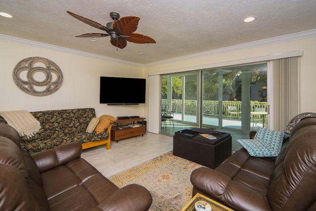 Additional photo for property listing at 1255 E Peppertree Dr, Unit #105, Sarasota, FL 34242 1255 E Peppertree Dr, Unit #105 Sarasota, Florida,34242 United States