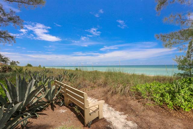 Additional photo for property listing at 8540 Heron Lagoon Cir, Sarasota, FL 34242 8540 Heron Lagoon Cir Sarasota, Florida,34242 Estados Unidos
