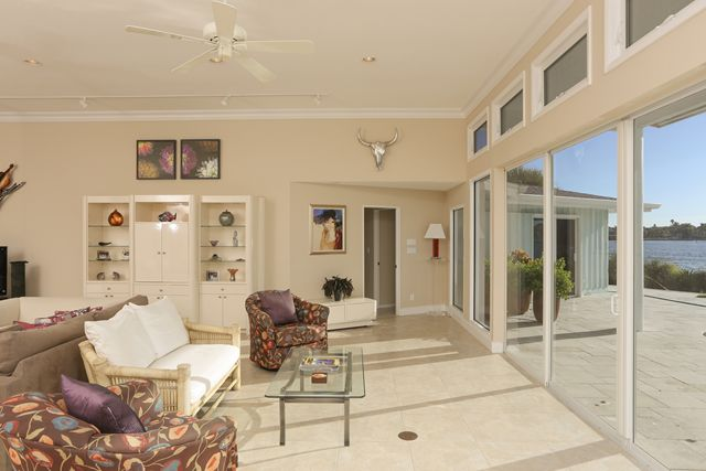 Sitting Area - Single Family Home for rent at 894 Freeling Dr, Sarasota, FL 34242 - MLS Number is 894FREE