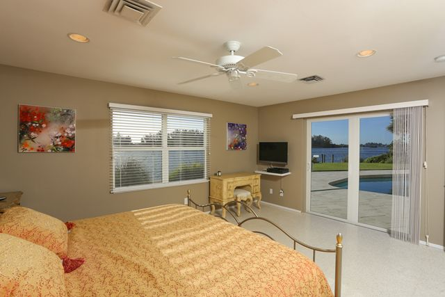 Master Bedroom - Single Family Home for rent at 894 Freeling Dr, Sarasota, FL 34242 - MLS Number is 894FREE