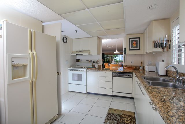 Kitchen - Condo for rent at 1001 Benjamin Franklin Dr, #506, Sarasota, FL 34236 - MLS Number is 1001BENJ506