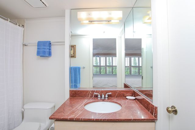 Bathroom #2 - Condo for rent at 1001 Benjamin Franklin Dr, #506, Sarasota, FL 34236 - MLS Number is 1001BENJ506