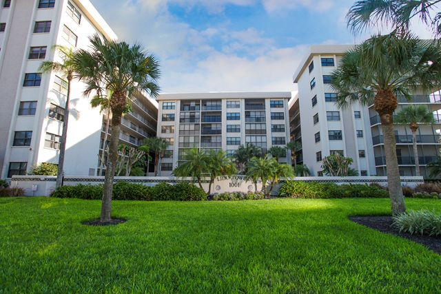 Front Exterior - Condo for rent at 1001 Benjamin Franklin Dr, #506, Sarasota, FL 34236 - MLS Number is 1001BENJ506