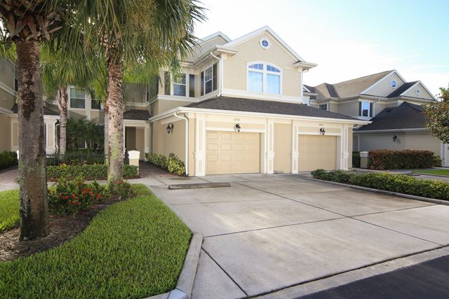 7919 St Simons St, University Park, FL 34201