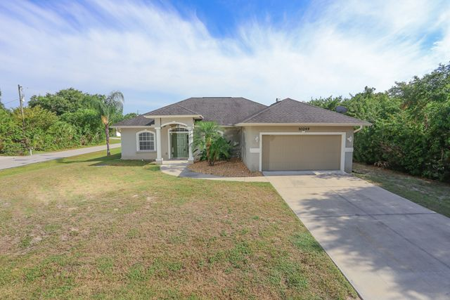10249 Bay Ave, Englewood, FL 34224