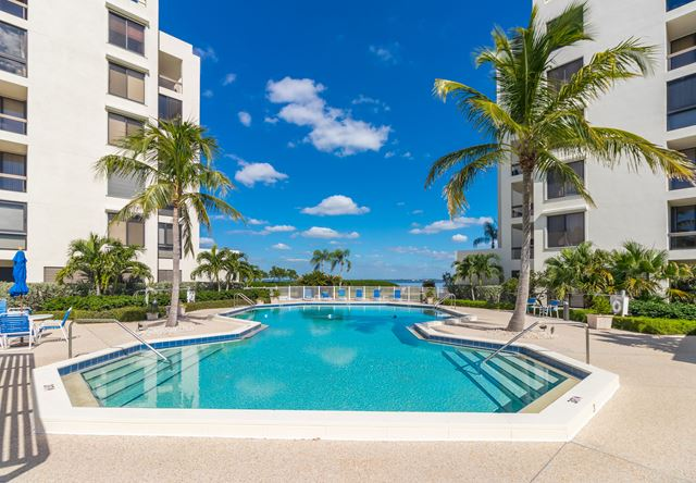 1932 Harbourside Dr, Unit #216, Longboat Key, FL 34228