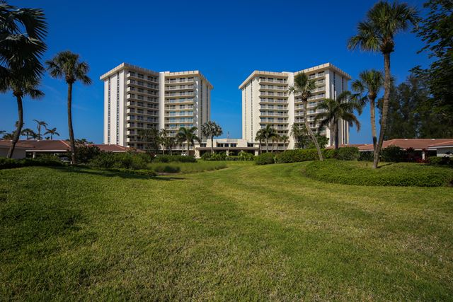 2295 Gulf of Mexico Dr, Unit #104S, Longboat Key, FL 34228