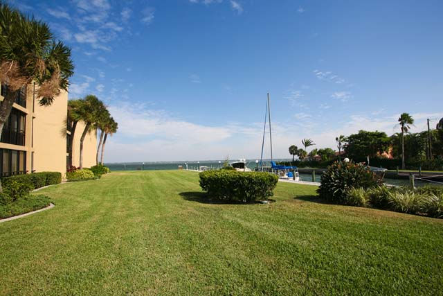 448 Gulf of Mexico Dr, Unit #A104, Longboat Key, FL 34228