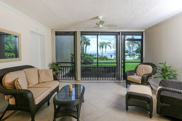 450 Gulf of Mexico Dr, Unit #B104, Longboat Key, FL 34228