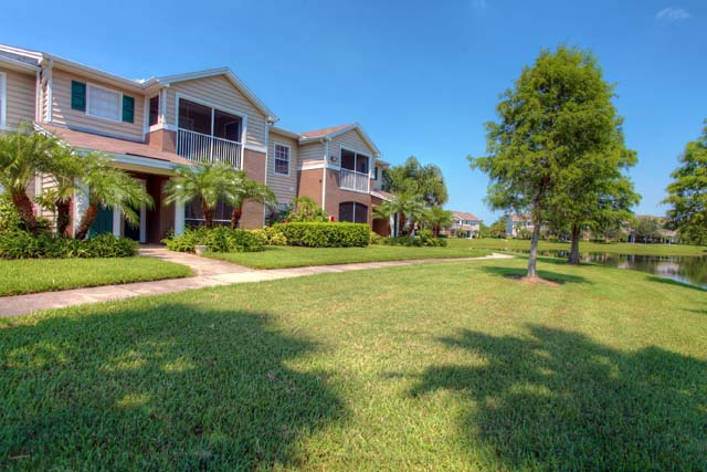 8933 Manor Loop, Unit #207, Lakewood Ranch, FL 34202