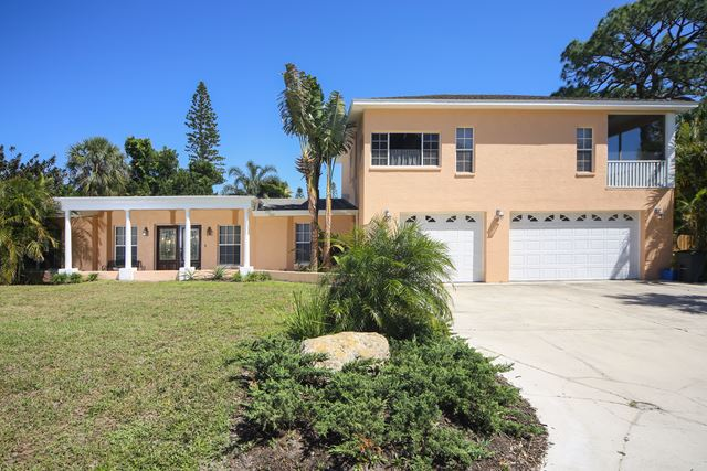 1674 Chapline Ln, Sarasota, FL 34231