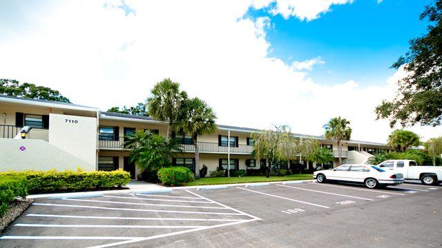 7110 Fairway Bend Ln, Unit #287, Sarasota, FL 34243