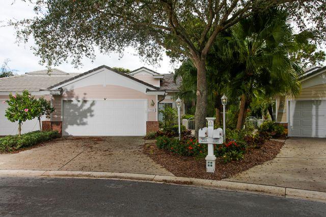 7725 Whitebridge Gln, University Park, FL 34201