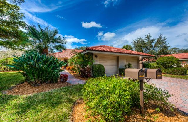 4886 Kestral Park Cir, Sarasota, FL 34231