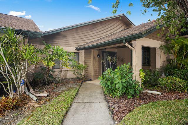 910 Sunridge Dr, Unit #D5, Sarasota, FL 34234