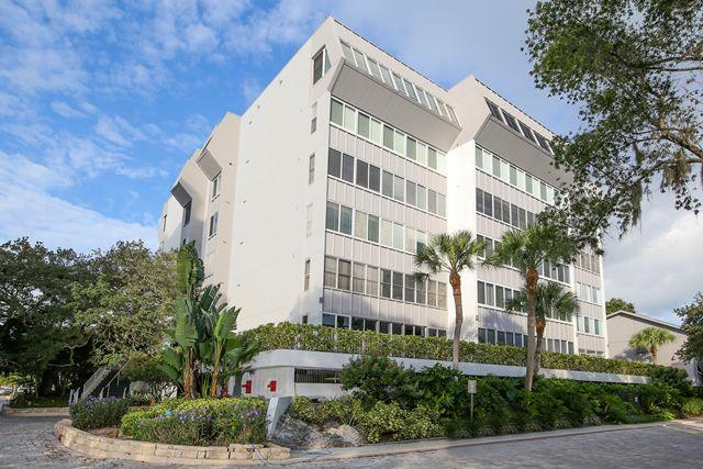 1255 E Peppertree Dr, Unit #603, Sarasota, FL 34242